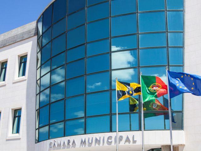 Câmara Municipal de Lagoa em serviços mínimos após declarado estado de emergência nacional